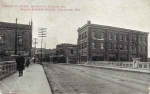 A view of the Barstow Street Bridge in Eau Claire from 1908