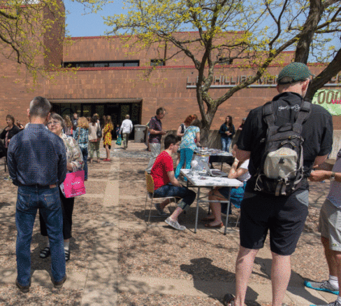 picture of front of library when Dabble Day 2017 was happening